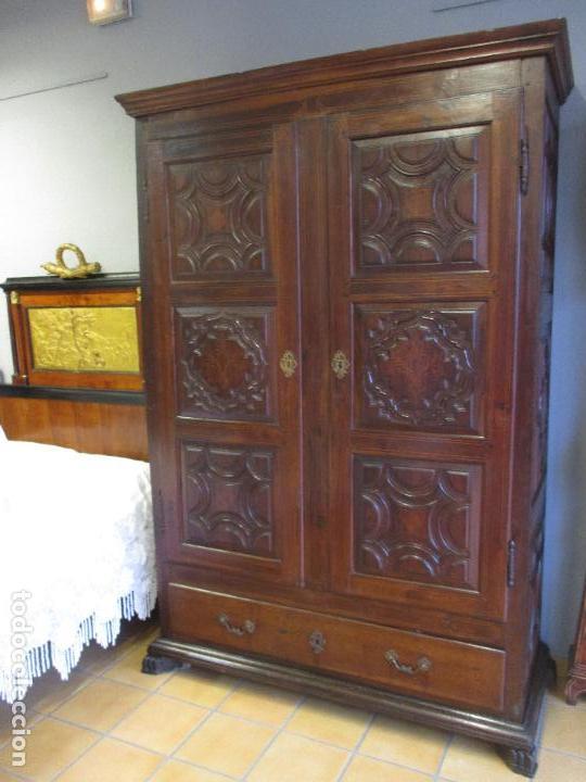 Antigüedades: Antiguo Armario - Barroco Catalán - Madera de Nogal - Marquetería Madera de Boj - Siglo XVIII - Foto 3 - 72043843