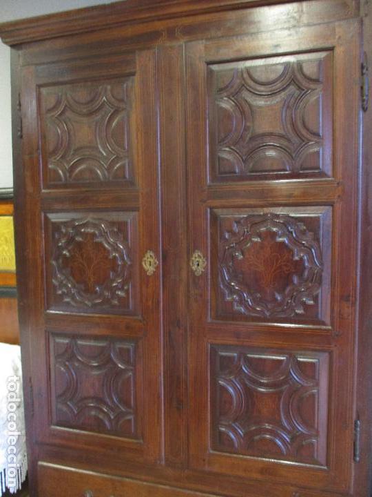 Antigüedades: Antiguo Armario - Barroco Catalán - Madera de Nogal - Marquetería Madera de Boj - Siglo XVIII - Foto 4 - 72043843