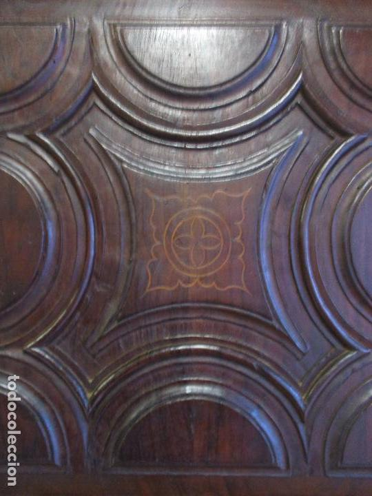 Antigüedades: Antiguo Armario - Barroco Catalán - Madera de Nogal - Marquetería Madera de Boj - Siglo XVIII - Foto 14 - 72043843