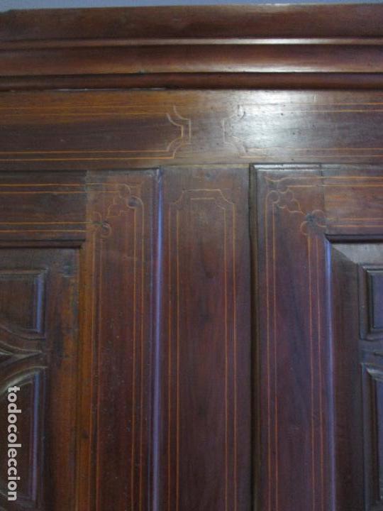 Antigüedades: Antiguo Armario - Barroco Catalán - Madera de Nogal - Marquetería Madera de Boj - Siglo XVIII - Foto 17 - 72043843