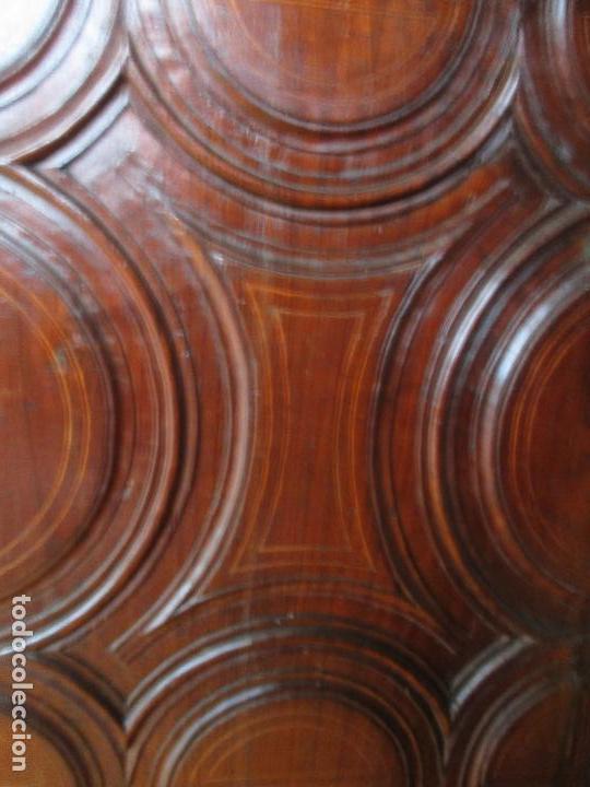 Antigüedades: Antiguo Armario - Barroco Catalán - Madera de Nogal - Marquetería Madera de Boj - Siglo XVIII - Foto 21 - 72043843