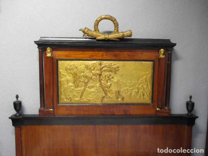 Antigüedades: Antigua Cama - Carlos IV - Madera de Caoba - Escultura en Terracota - Finales Siglo XVIII - Foto 2 - 72047155