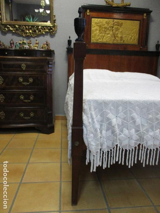 Antigüedades: Antigua Cama - Carlos IV - Madera de Caoba - Escultura en Terracota - Finales Siglo XVIII - Foto 5 - 72047155