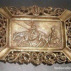 Antigüedades: GIROEXLIBRIS.- ANTIGUO CENICERO DE BRONCE DE ESTILO CLÁSICO CON EL BUSTO DE CERVANTES Y DON QUIJOTE. Lote 72072075