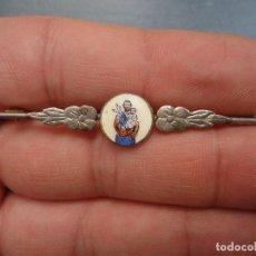 Antigüedades: ANTIGUA MEDALLA DE JOYERIA BROCHE PASADOR ESMALTE ESMALTADO CON IMAGEN DE SAN JOSE Y NIÑO JESUS. Lote 72108583