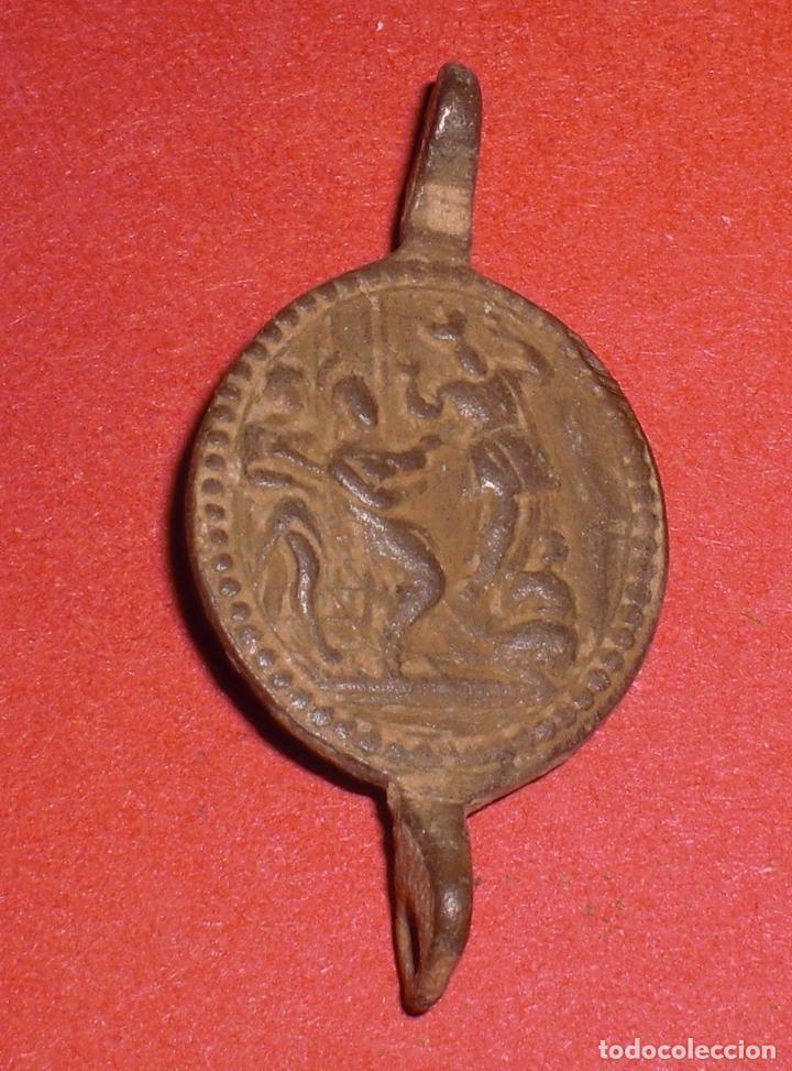 ANTIGUA MEDALLA SIGLO XVII VIRGEN DEL CALVARIO (Antigüedades - Religiosas - Medallas Antiguas)