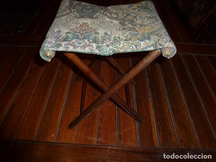 SILLA PLEGABLE PARA IR A MISA (Antigüedades - Muebles Antiguos - Sillas Antiguas)