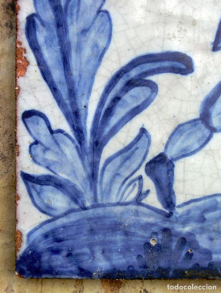 Antigüedades: VIEJO AZULEJO FIRMADO - A. UBEDA - PINTADO A MANO - CAZADOR CON LIEBRES - MOTIVO COSTUMBRISTA - - Foto 3 - 72260683