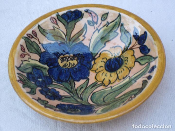 PLATO EN CERAMICA VIDRIADA DE TOLEDO. (Antigüedades - Porcelanas y Cerámicas - Otras)