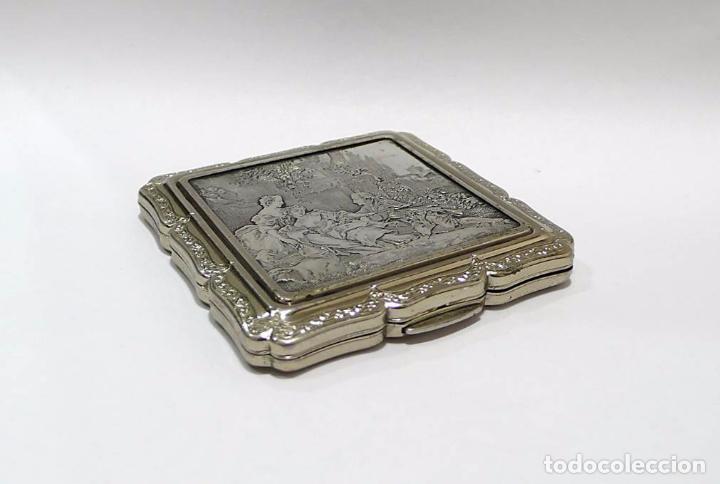 Antigüedades: Polvera con cuadro escena galante de plata - mediados Siglo XX Made in England - Foto 8 - 72299747