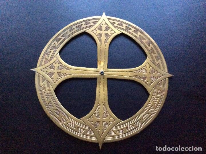 ANTIGUA CORONA PARA IMAGEN RELIGIOSA OLOT (Antigüedades - Religiosas - Orfebrería Antigua)