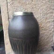 Antigüedades: BOTE O JARRÓN PORCELANA. Lote 72396543