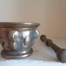 Antigüedades: ALMIREZ DE BRONCE SIGLO XVIII CON SU MANO. Lote 72428111
