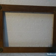 Antigüedades: MARCO ANTIGUO SIGLO XX ADORNOS EN BRONCE - 295. Lote 72441147