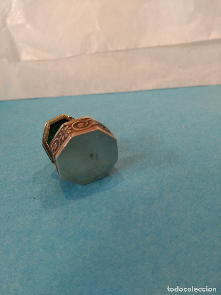 Antigüedades: PRECIOSA Y ANTIGUA MINIATURA CAJITA EN PLATA DE LEY PARA UNA PASTILLA - Foto 3 - 72453139