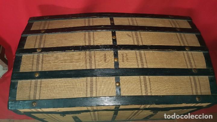 Antigüedades: Precioso baúl de viaje forrado en tela. - Foto 3 - 72701927