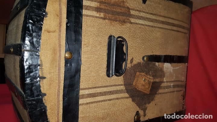 Antigüedades: Precioso baúl de viaje forrado en tela. - Foto 4 - 72701927