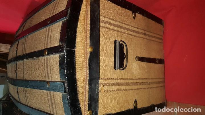 Antigüedades: Precioso baúl de viaje forrado en tela. - Foto 5 - 72701927