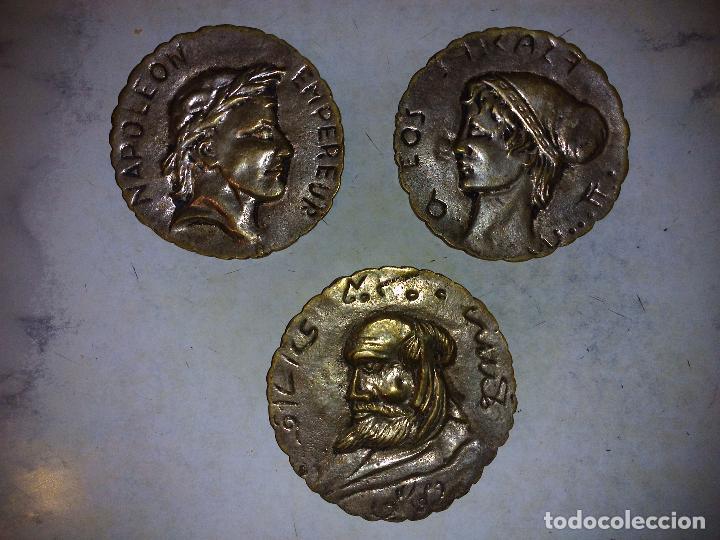 LOTE DE 3 PLACAS DE BRONCE,ANTIGUAS 8 CM DE DIÁMETRO (Antigüedades - Hogar y Decoración - Otros)