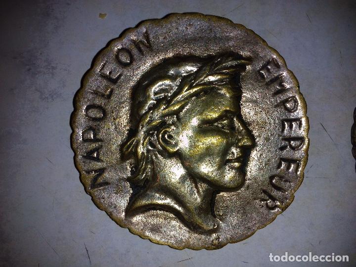 Antigüedades: Lote de 3 placas de bronce,Antiguas 8 cm de diámetro - Foto 2 - 72717947