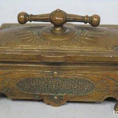 Antigüedades: ANTIGUA Y PRECIOSA CAJA DE ESCRITORIO DE BRONCE. SIGLO XIX. Lote 72758551
