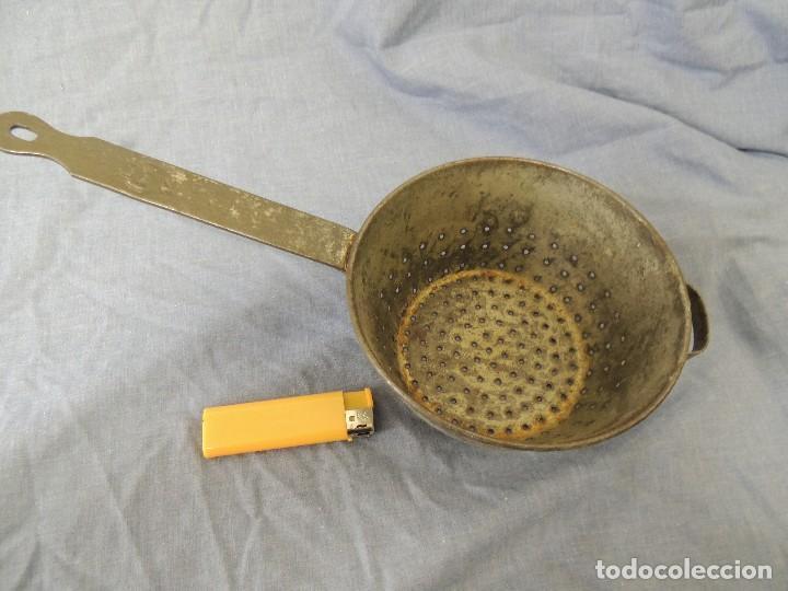 ANTIGUO COLADOR (Antigüedades - Técnicas - Rústicas - Utensilios del Hogar)
