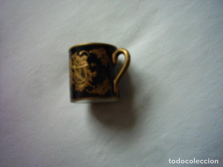 Antigüedades: TAZA DE PORCELANA DEL BUEN-RETIRO, MADRID. MARCA ESTAMPADA DEL SIGLO XVIII. 5 X 5 cm. - Foto 2 - 72869863