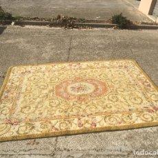Alfombra círculo de la REAL Fábrica de tapices francisco franco