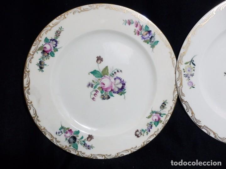 Antigüedades: Pareja platos Thomas Bavaria, Sajonia - Decoración floral y al oro para Grifé Escoda, ca 1940 27cms - Foto 2 - 72884123