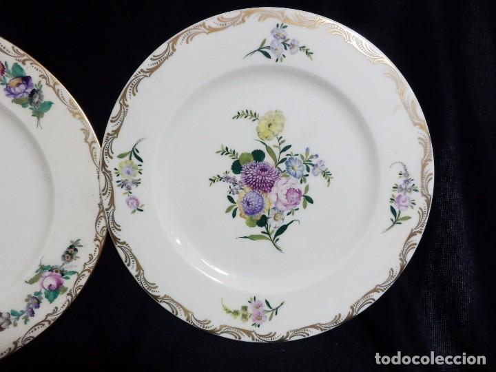 Antigüedades: Pareja platos Thomas Bavaria, Sajonia - Decoración floral y al oro para Grifé Escoda, ca 1940 27cms - Foto 3 - 72884123