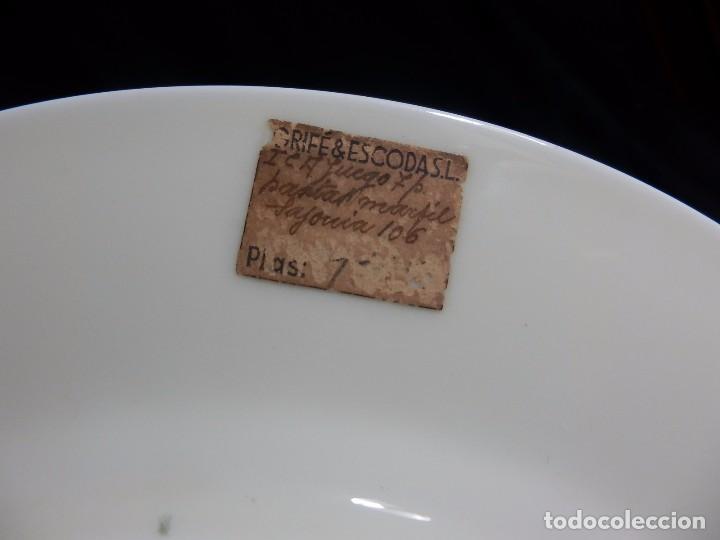 Antigüedades: Pareja platos Thomas Bavaria, Sajonia - Decoración floral y al oro para Grifé Escoda, ca 1940 27cms - Foto 7 - 72884123