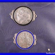 Antigüedades: PAREJA DE MEDALLAS EN PLATA Y ESMALTE. Lote 76465667
