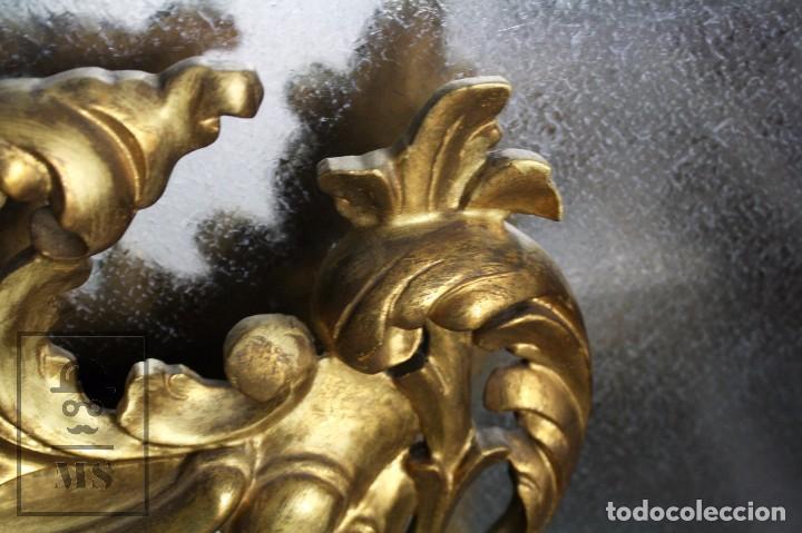 Antigüedades: Antiguo Espejo Rococó de Madera Tallada y Dorada - Siglo XIX - Medidas 61 x 89 x 5 cm - Foto 3 - 72951891