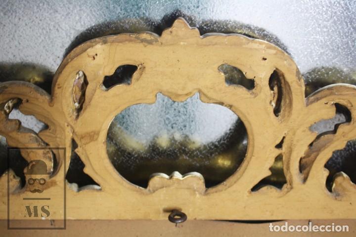 Antigüedades: Antiguo Espejo Rococó de Madera Tallada y Dorada - Siglo XIX - Medidas 61 x 89 x 5 cm - Foto 6 - 72951891