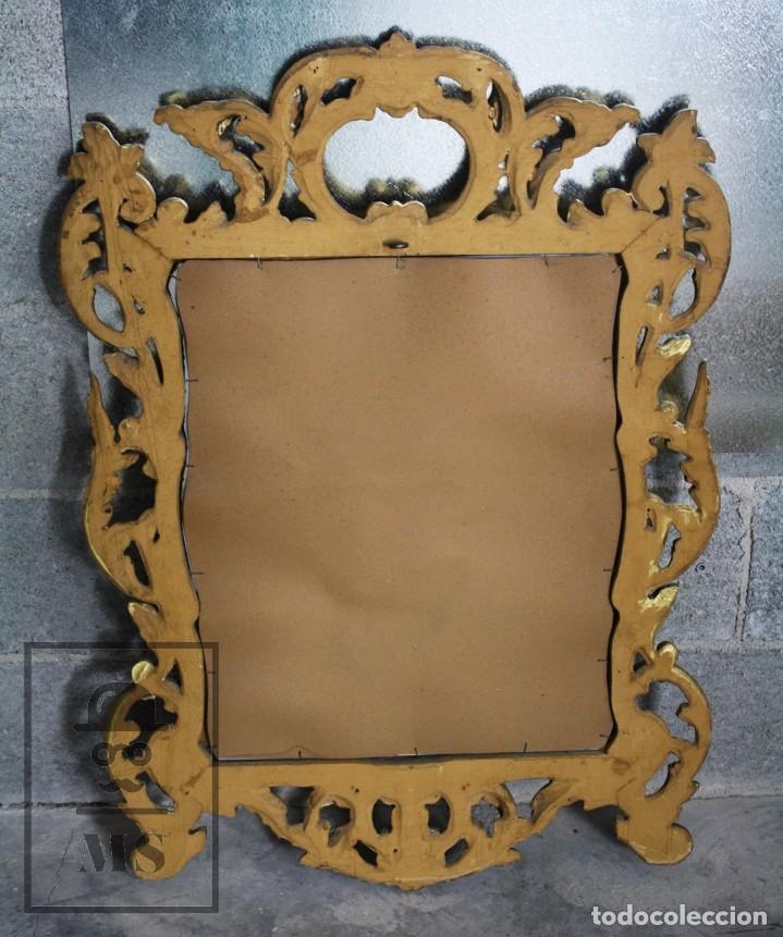 Antigüedades: Antiguo Espejo Rococó de Madera Tallada y Dorada - Siglo XIX - Medidas 61 x 89 x 5 cm - Foto 7 - 72951891