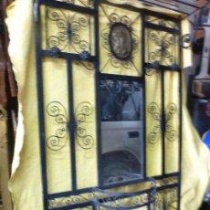 Antigüedades: ANTIGUO PARAGÜERO, PERCHERO. EN HIERRO FORJADO. MUEBLE RECIBIDOR. Lote 145961362