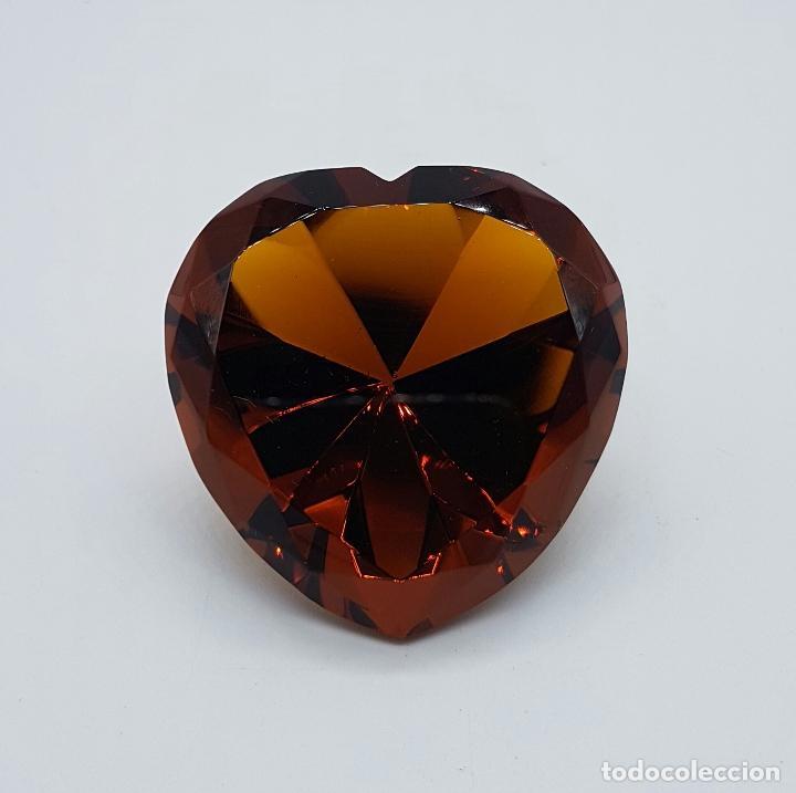Antigüedades: Bello diamante con forma de corazón facetado en cristal Italiano color ambar . - Foto 5 - 73041799
