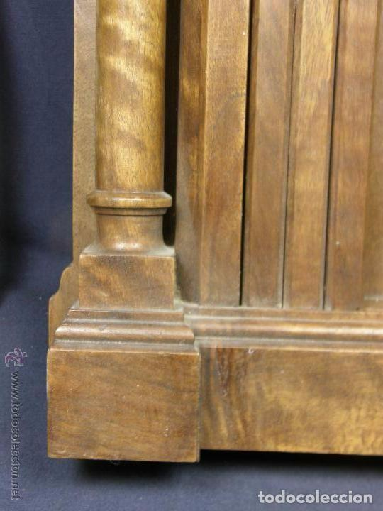 Antigüedades: Hornacina expositor nogal sagrario puertas persiana columnas pinaculos neogotica - Foto 2 - 73048971