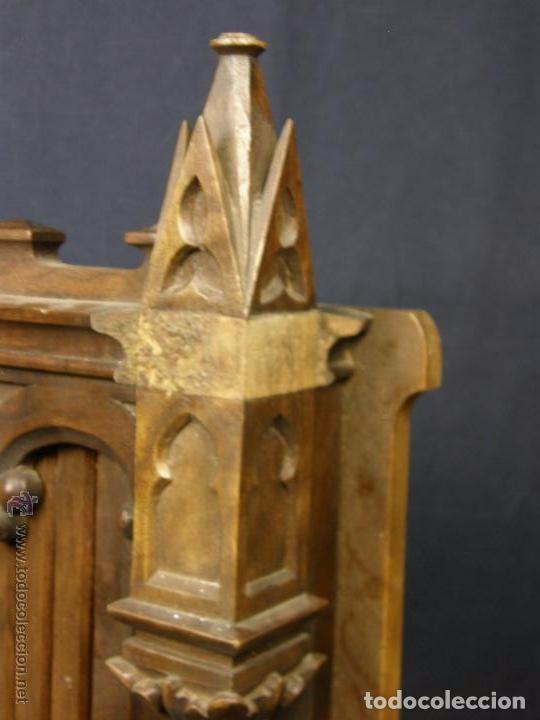 Antigüedades: Hornacina expositor nogal sagrario puertas persiana columnas pinaculos neogotica - Foto 3 - 73048971