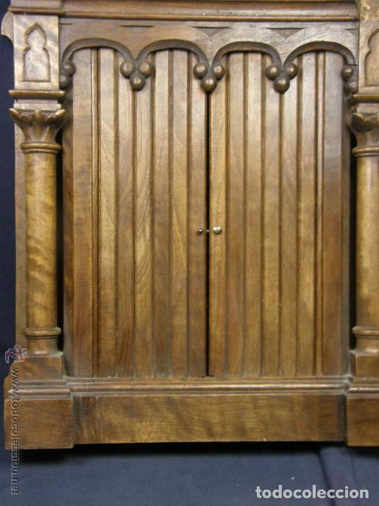Antigüedades: Hornacina expositor nogal sagrario puertas persiana columnas pinaculos neogotica - Foto 7 - 73048971