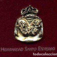 Antigüedades: MEDALLA INSIGNIA ORO DE LA HERMANDAD O COFRADIA DE LA SEMANA SANTA DE PUERTOREAL(HERMAN SANT ENTIERO. Lote 73060075