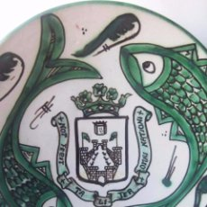 Antigüedades: PLATO DE CERAMICA DE DOMINGO FUSTER. PERFECTO ESTADO. CERAMICA DE TERUEL . Lote 73068059