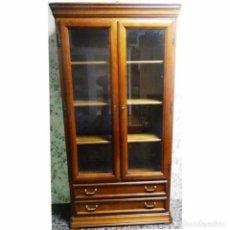 Antigüedades: VITRINA CEREZO MEDIDAS 105 X 40 X 202. Lote 73465255