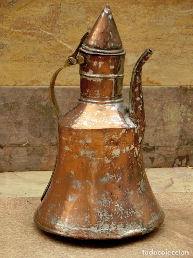 Antigüedades: ANTIGUA Y PRECIOSA JARRA DE COBRE CON TAPA - ASA DE HIERRO / BRONCE - DECORACIÓN RÚSTICA - - Foto 2 - 73497935