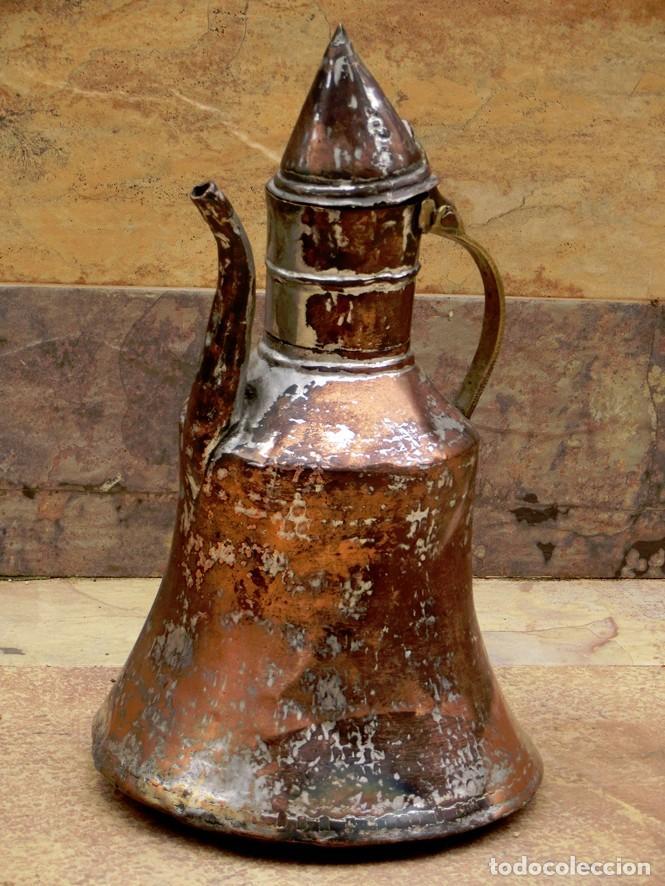 Antigüedades: ANTIGUA Y PRECIOSA JARRA DE COBRE CON TAPA - ASA DE HIERRO / BRONCE - DECORACIÓN RÚSTICA - - Foto 4 - 73497935