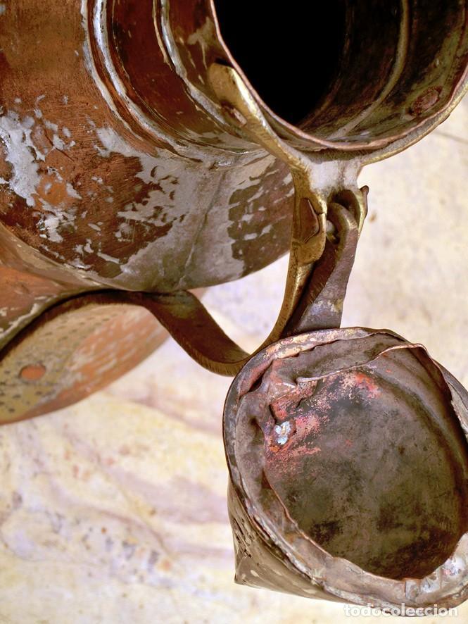 Antigüedades: ANTIGUA Y PRECIOSA JARRA DE COBRE CON TAPA - ASA DE HIERRO / BRONCE - DECORACIÓN RÚSTICA - - Foto 8 - 73497935