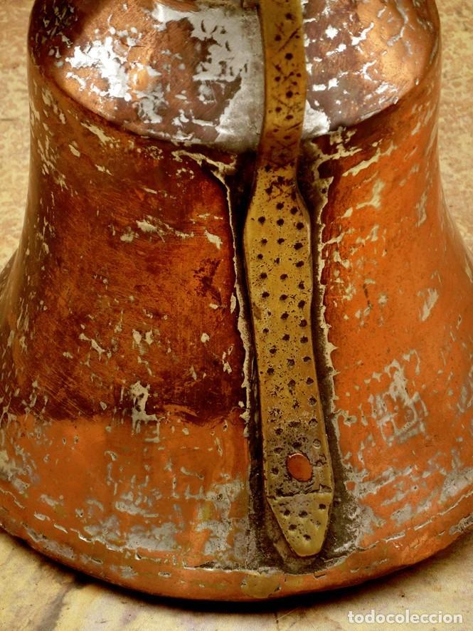Antigüedades: ANTIGUA Y PRECIOSA JARRA DE COBRE CON TAPA - ASA DE HIERRO / BRONCE - DECORACIÓN RÚSTICA - - Foto 25 - 73497935