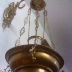 Antigüedades: ~~~~ LAMPARA VOTIVA DE BRONCE Y METAL PARA COLGAR, MIDE 32 CM. DE DIAMETRO Y 1,10 DE ALTO ~~~~. Lote 211894563