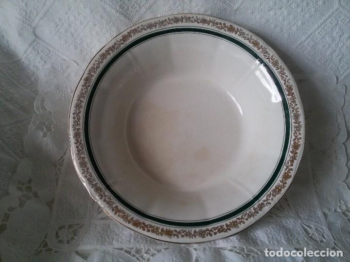 GRAN FUENTE HONDA-CERÁMICA SAN CLAUDIO (Antigüedades - Porcelanas y Cerámicas - San Claudio)