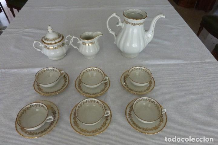 JUEGO DE CAFÉ ANTIGUO. SELLADO EN LA BASE (Antigüedades - Porcelana y Cerámica - Alemana - Meissen)